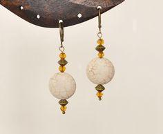 Boucles d'oreille ethniques perles verre et howlite