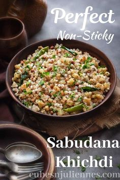 Sabudana khichdi – A popular breakfast recipe that is made during Vrats and also on regular days. It is super simple, quick, gluten-free, vegan and extremely delicious. Here is how to make the best Sabudana Khichdi recipe at home. Sabudana Recipes, Sago Recipes, Quick Meals To Make, Quick Recipes, Easy Meals, Special Recipes, Easy Snacks, Indian Breakfast, Recipes