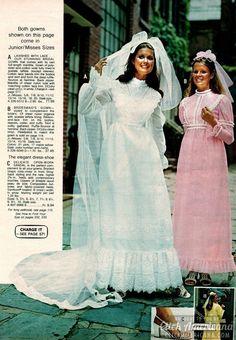 1970s Wedding Dress, Best Wedding Dresses, Bridal Dresses, Wedding Gowns, Bridesmaid Dresses, Floral Dresses, Vintage Wedding Photos, Vintage Bridal, 1970s Dresses