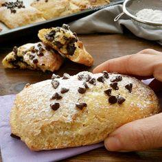 Saccottini alla ricotta ripieni di cioccolato. Ricetta senza glutine e senza lievitazione.