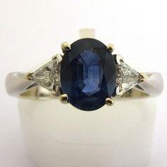 Bague de fiançailles en or blanc saphir (1.40 carat) diamants.  3900 euros TTC #bague #vintage #fiancailles #paris