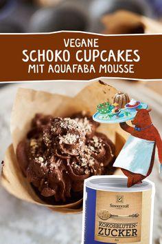 Schokoladige Cupcakes mit Aquafaba-Mousse - so fluffig und köstlich! #vegan #Cupcake #Muffin #backen #Schokolade #Aquafaba #kokosblütenzucker #veganbacken Aquafaba, Cupcake Muffin, Muffins, Kakao, Cereal, Breakfast, Food, Vegan Cupcakes, Almonds