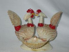 Vintage Chickens Birds Sea Shell Art Figure Beach Shore Souvenir * FREE SHIPPING