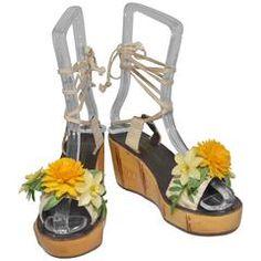 Young Dimensions Vintage Lace Up Flatform Sandals