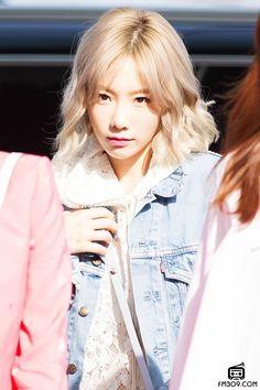 Kim Taeyeon Girls Generation, Girls' Generation Taeyeon, Snsd, Sooyoung, Yoona, Taeyeon Fashion, Girl Fashion, South Korean Girls, Korean Girl Groups