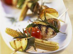Rezept: Gemüsespieße vom Grill mit Tomatensalsa