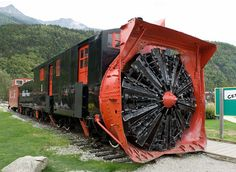 This is a Rotary Snowplow used for clearing Train Tracks after heavy snow, built in 1899, retired in 1964 and later restored in 1995 getting occasional use on the White Pass and Yukon lines. Photo by Freekee