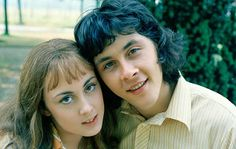 Gorgeous sixties sitcom ,The Lovers'. Richard Beckinsale was such a beautiful person, inside and out. So sad that he had to leave us so soon! British Sitcoms, British Comedy, Paula Wilcox, Richard Beckinsale, 80 Tv Shows, Tv Themes, Thanks For The Memories, Cult Movies, Teenage Years