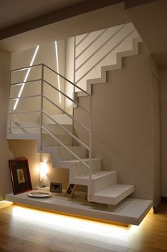 Excellent simple ideas for your inspiration Small House Interior Design, Home Room Design, House Design, Staircase Railing Design, Modern Staircase, Scale Design, House Stairs, House Rooms, Home Remodeling