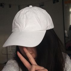 WHITE BASEBALL CAP TUMBLR AF I have more than one so comment below telling me how much ya want. Size adjustable. Accessories Hats