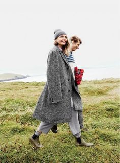 Swooning Over J.Crew's Holiday Shoot in Ireland | Just chilling with my man in Ireland
