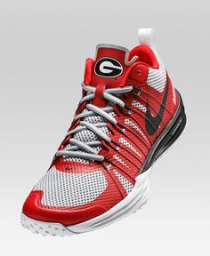 Georgia Nike shoes. Holy cow those are awesome looking.