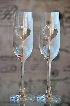 Mano pintada vidrios tostados flautas de champán de la boda