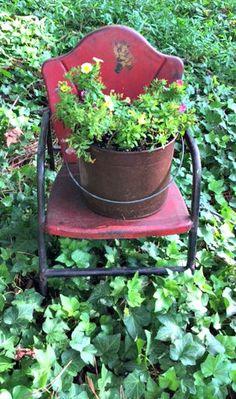 Rusty Garden Containers www.Gardenchick.com