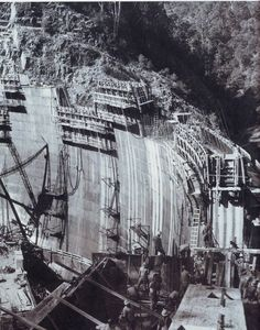 Murray 2 Dam of the Snowy Mountain Scheme under construction in Sydney Australia, Western Australia, Old Pictures, Old Photos, Federation Of Australia, Australian Photography, Melbourne Victoria, Snowy Mountains, Historical Images