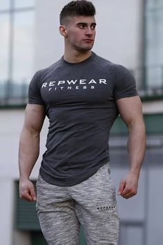 Gray Letter Print Curved Hem Short Sleeve Casual Sport T-shirts - XL Sport Casual, Men Casual, Gym Outfit Men, Body Building Men, Hommes Sexy, Stylish Mens Fashion, Gym Style, Muscular Men, Sport T Shirt