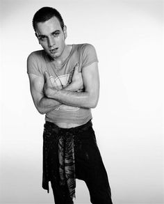 Ewan, Trainspotting - this is the movie that made me fall for Ewan, funnily enough. The emaciated drug boy look suits him :-p