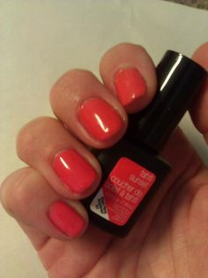 Hot Tahiti Sunset manicure from the SensatioNail summer collection