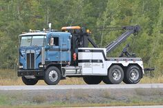 "Campbell's Towing ""Big Blue"" Kenworth cabover tow truck highway 401 near Morrisburg, Ontario Canada 09222011-150 ©Ian A. McCord by ocrr4204, via Flickr"