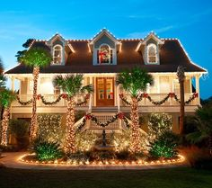 Beautiful Beach House Decorated for Christmas! <3