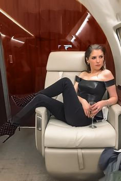 anna kendrick outfits best outfits - Page 16 of 100 - Celebrity Style and Fashion Trends Anna Kendrick Body, Anne Kendrick, Casual Work Outfits, Cool Outfits, Hollywood, Anna Kendrick Pictures, Lea Seydoux, Non Blondes, Hottest Female Celebrities