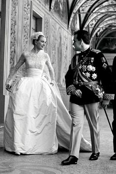 Grace Kelly's white lace wedding dress with kid gloves and Juliet cap