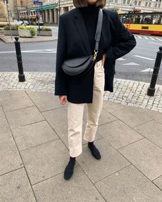 love this minimal look Mode Outfits, Winter Outfits, Casual Outfits, Fashion Outfits, Womens Fashion, Minimalist Street Style, Look Formal, Looks Street Style, Business Outfit