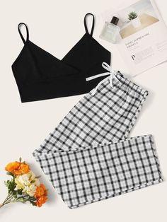 Cute Pajama Sets, Cute Pajamas, Pj Sets, Girls Fashion Clothes, Teen Fashion Outfits, Retro Outfits, Cute Lazy Outfits, Stylish Outfits, Cool Outfits