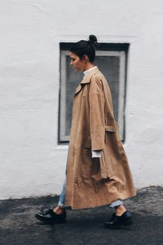 suede trench. Montréal. #TheFashionMedley