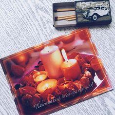 """Taka pocztówka mi się trafiła z Finlandii. Niesamowicie mi się podoba i pasuje tematycznie bo napis oznacza """"Żegnaj lato witaj jesień""""   Chociaż pogoda w tym roku bywa szalona to nadal lubię tę porę roku  A Wy lubicie jesień?  #postcrossing #postcrosser #postcard #postcards #pocztowka #pocztówka #pocztówki #poczta #kartkapocztowa #penpalspoland #teamkorespomdencja #finland #finlandia #candles #candle #świeca #świece #autumn #fall #jesień #leaves #liście"""