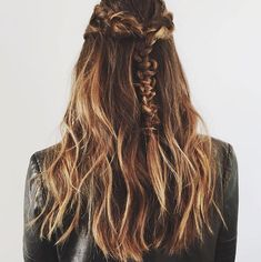 These Holiday Hairstyles Are So Good, You'll Want Them Right Away