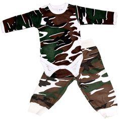 A kombidressz a baba ruhatárának alapdarabja, melyből biztosan többre is szükség lesz, hiszen újszülött kortól egészen 2-3 éves korig, vagyis a pelenkás korszak végéig ez a pici alsóruhája.A kombidressz praktikus, mert nem csúszik fel, így minden esetben védi a baba derekát!Kellemes, kényelmes viseletű, puha, bababarát, pamut anyagból, nem szűk, a patentok nem akadályozzák a babákat a mozgásban.