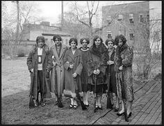 Drexel Institute's girls rifle team of 1925 They look like a rogue group of badasses! Team Photos, Photos Du, Old Photos, Belle Epoque, Vintage Photographs, Vintage Photos, Vintage Postcards, Louise Brooks, University Girl