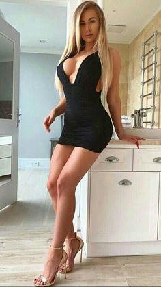 Tight Dresses, Sexy Dresses, Short Dresses, Classy Women, Sexy Women, Women With Beautiful Legs, Looks Pinterest, Girls In Mini Skirts, Hot Dress
