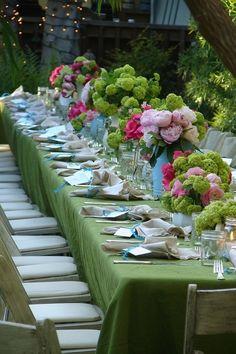 Lovely outdoor summer table for lunch or dinner!