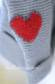 Nalle's House: He Wears His Heart on His Sleeve Knitted heart pattern for darling sleeve patches