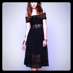 Free People Black Chiffon Dress This dress is perfect! I bought two and this one is just too small. It's never been worn. SZ XS make an offer!! Free People Dresses Midi