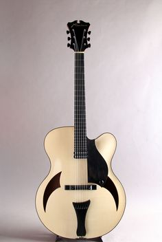 "Marchione Guitars[マルキオーネ ギターズ] 17"" Arch Top Swiss Spruce Top Honduras Mahogany Side & Back Blond