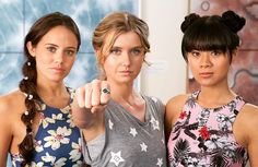 Ondina Weilan and mimmi H2o Mermaids, Mermaids And Mermen, Childhood Tv Shows, My Childhood Memories, Mako Mermaids Season 3, Mako Island Of Secrets, Mermaid Island, Moon Pool, Fin Fun Mermaid Tails