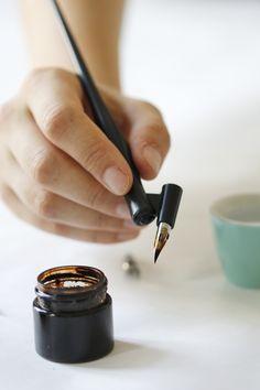 we love handmade | DIY: Kalligraphie Teil 1 – Materialien, Grundstriche und Kleinbuchstaben | http://welovehandmade.at