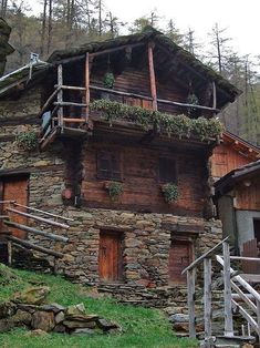 Alpine log and stone Chalet, Zermatt, Switzerland Cabin Homes, Log Homes, Beautiful Homes, Beautiful Places, Simply Beautiful, Alpine Chalet, Swiss Chalet, Alpine House, Swiss Alps