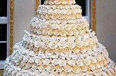 16 Outrageous Celebrity Wedding Cakes Slideshow