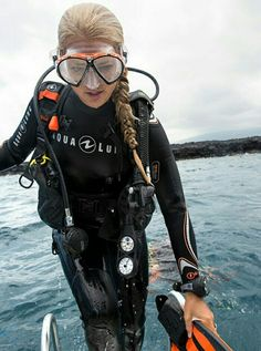 Diving Underwater Watches Old Diver Tattoo Product Diving Suit, Scuba Diving Gear, Women's Diving, David Beckham Suit, Diving Wetsuits, Mermaid Cove, Scuba Girl, Womens Wetsuit, Water Sports