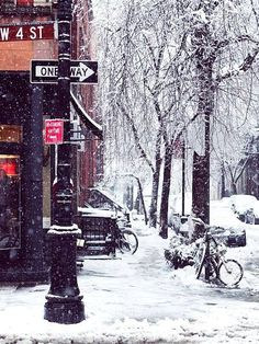 Winter Wonderland in New York City, U.S | by Paris in Four Months (scheduled via http://www.tailwindapp.com?utm_source=pinterest&utm_medium=twpin&utm_content=post81297133&utm_campaign=scheduler_attribution) #НьюЙорк #Зима #Путешествие #Дождь #Мечта #Сказка #НовыйГод