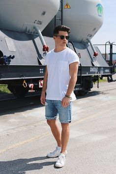 48 Classy Summer Outfits Ideas You Should Try Casual Shorts Outfit, Sneakers Outfit Summer, Casual Outfits, Men Casual, Teen Outfits, Men Looks, Jean Short Outfits, Classy Summer Outfits, Summer Outfits For Guys
