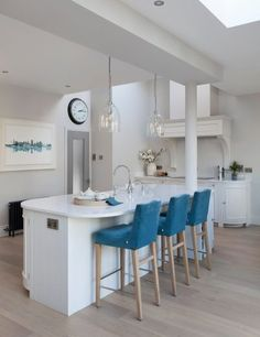 Neptune Chichester Kitchen - painted in Shell. Kitchen Stools, Bar Stools, Kitchen Paint, Kitchen Design, First Kitchen, Chichester, Houzz, A Table