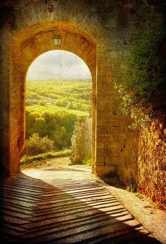 Tuscany, Italy photo via franka