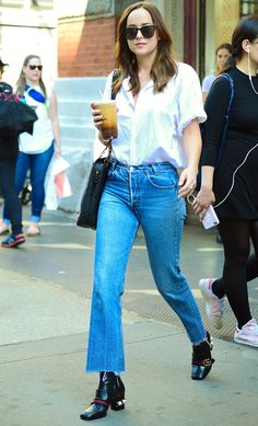 Dakota Johnson / Out and about in New York City - April 28th