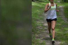 Laufen bei Regen ist der Immunbooster schlechthin: Wer sich überwindet, wird mit guter Laune, Fitness und einem starken Immunsystem belohnt.