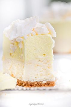 ... lemon meringue cheesecake ...